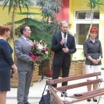 Dyrektor Marian Stempniak dziękuje pielęgniarkom za ogromny wkład w funkcjonowanie szpitala oraz składa najserdeczniejsze życzenia